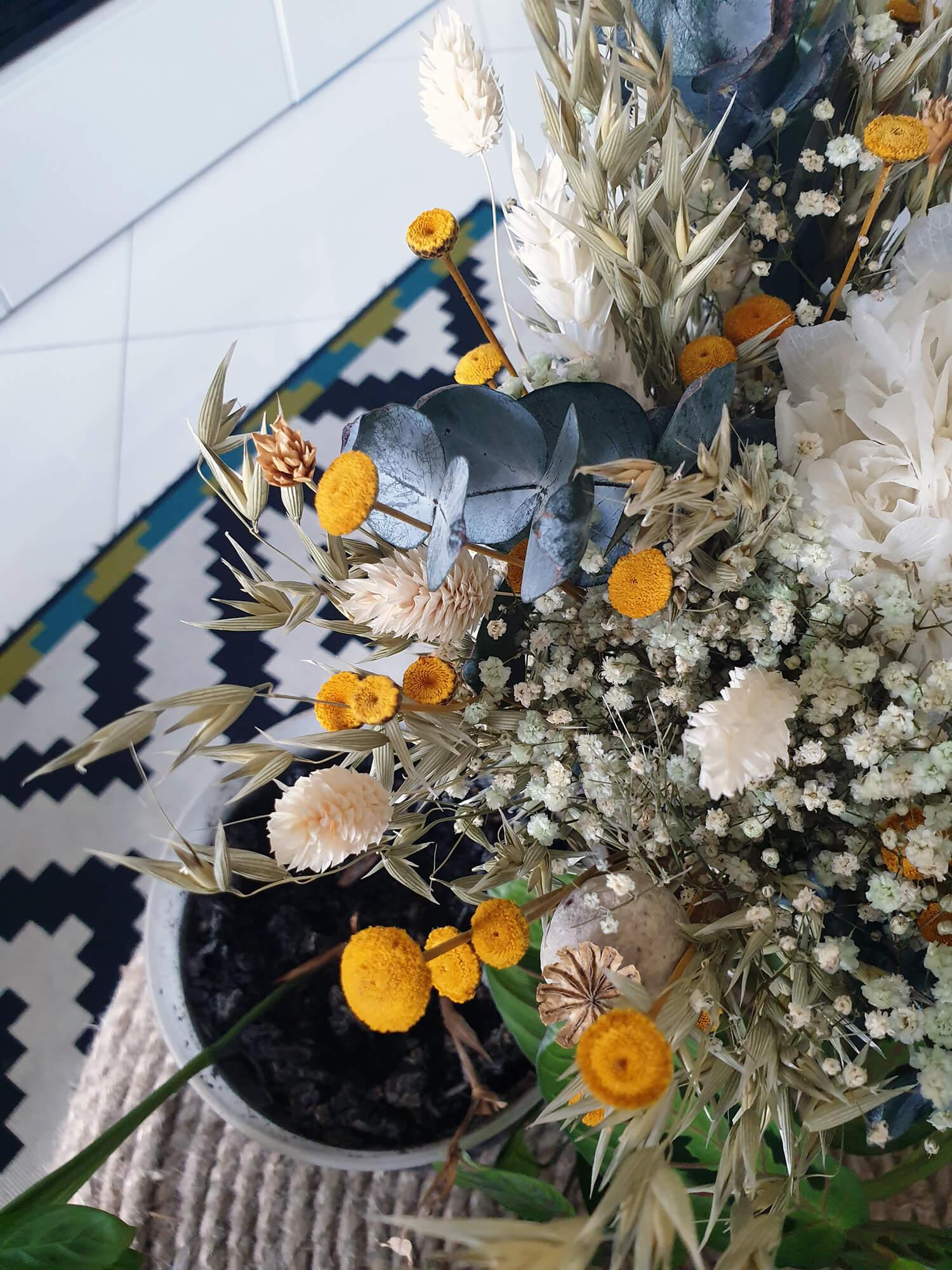 20201012 131549 - Laisser les fleurs séchées envahir la décoration