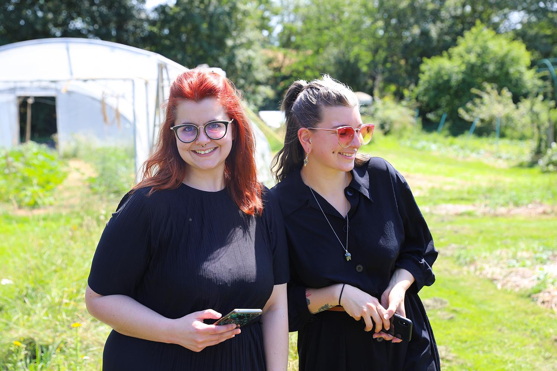 Marie et moi dans les champs  - Potage et Nature : une ode à la permaculture au coeur de la Bretagne