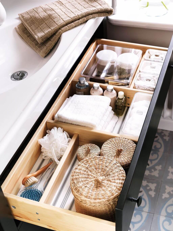 rangement dans la salle de bain organiser les tiroirs - Comment optimiser le rangement dans la salle de bain ?