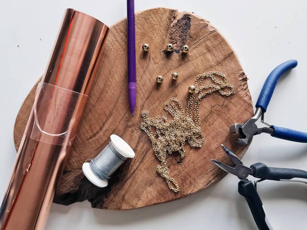 20201130 141512 - DIY déco : fabriquer un bijou de mur en cuivre