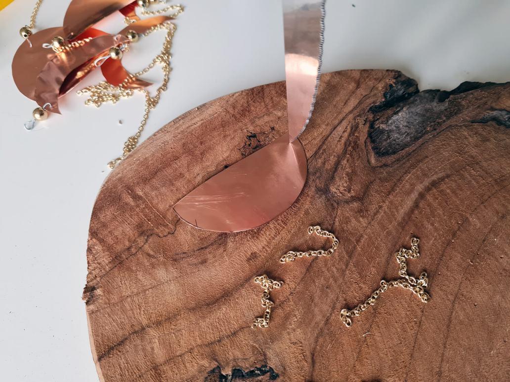 20201130 154152 - DIY déco : fabriquer un bijou de mur en cuivre