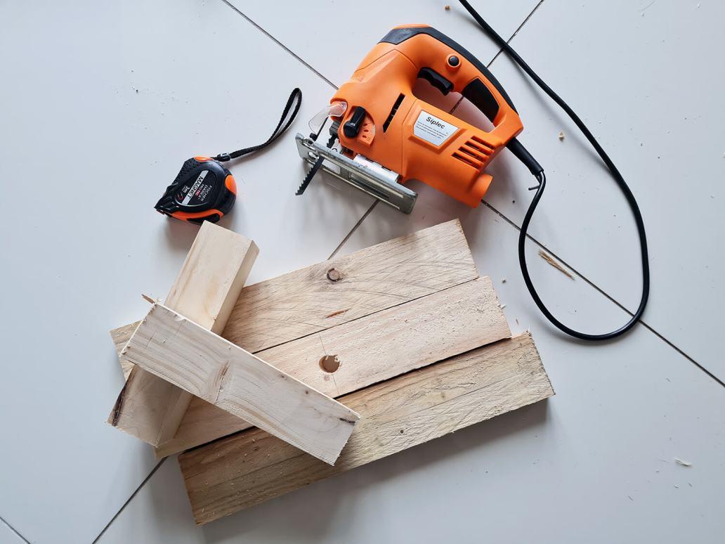 20201206 115649 - DIY récup : fabriquer un sapin de Noël en bois avec des tasseaux