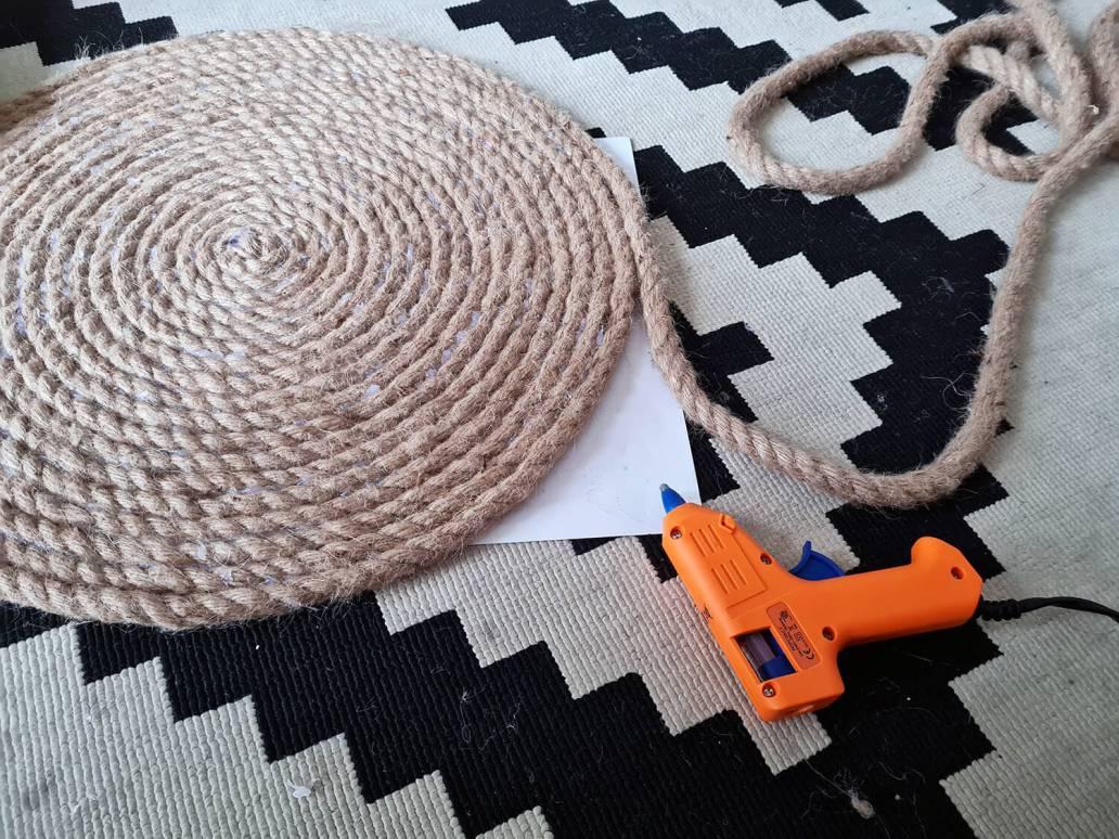20210105 151815 - DIY bohème : fabriquer un tapis mandala avec des cordes