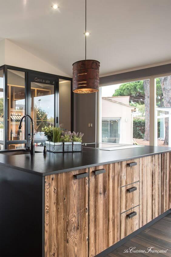 une cuisine bois et noir - L'irrésistible cuisine noire : une inspiration moderne et tendance
