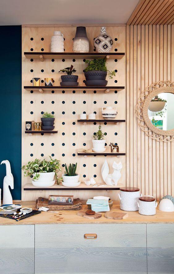 etagere modulable salon couleur pastel - Le pegboard : un panneau déco qui nous rend accroc
