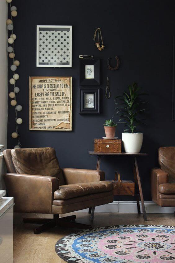 mettre des couleurs sombres dans sa deco - Inspiration déco : 16 façons d'embellir les murs du salon