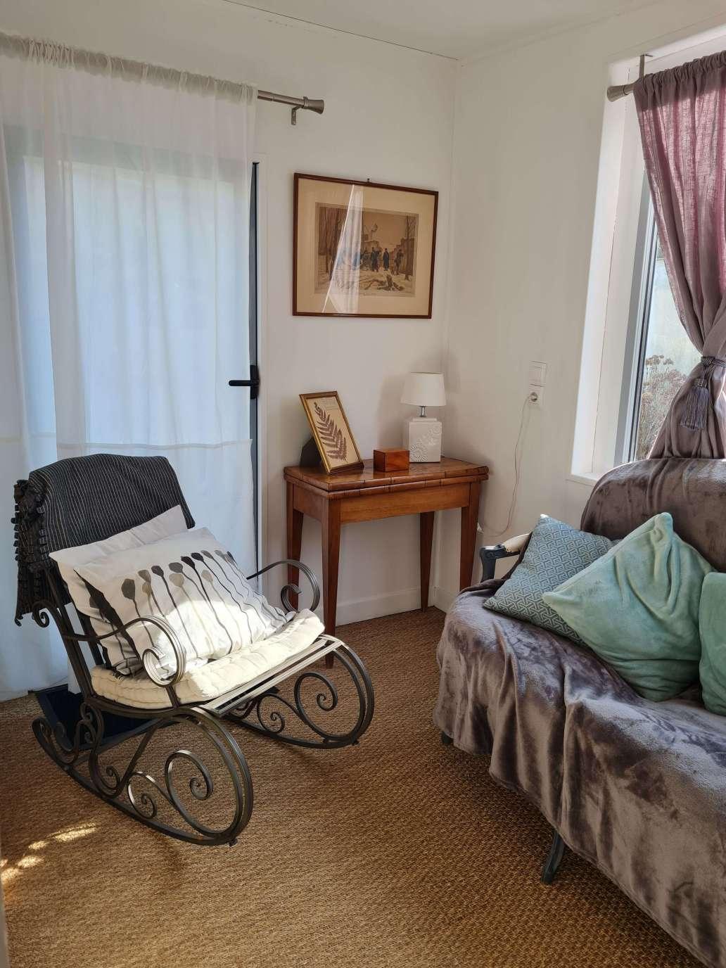 20210213 143714 1536x2048 - Airbnb Tour : visite privée d'une tiny house à Bayeux