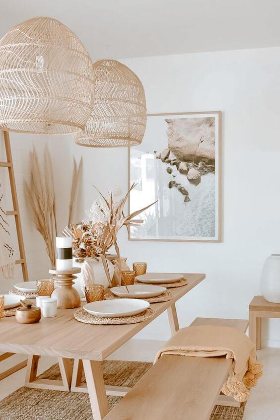 salle a manger slow decoration avec meuble en bois suspension fibres naturelle et cadre sur la mer - Tendance Slow life : découvrir la décoration Slow living ou la Slow déco ?