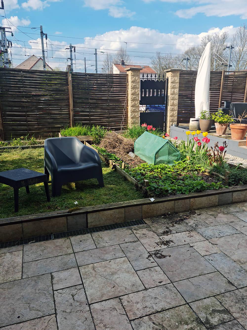20210420 165415 - Relooking jardin : comment bien nettoyer une terrasse en carrelage ?