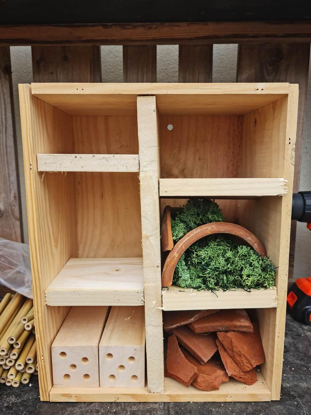 20210520 170854 - DIY jardin : construire un hôtel à insectes avec une caisse à vin