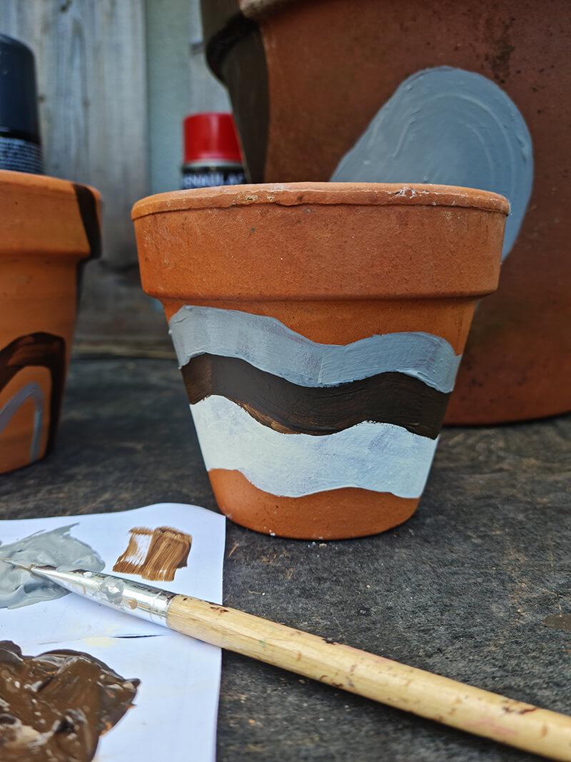 20210528 122653 - DIY jardin : comment personnaliser des pots en terre cuite