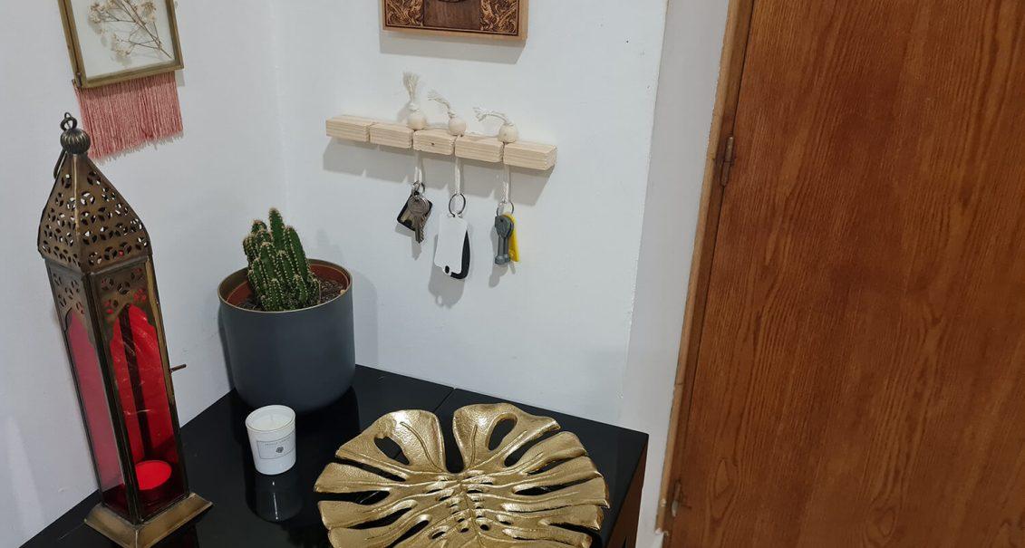DIY pour l'entrée : fabriquer un support pour les clés au design minimaliste