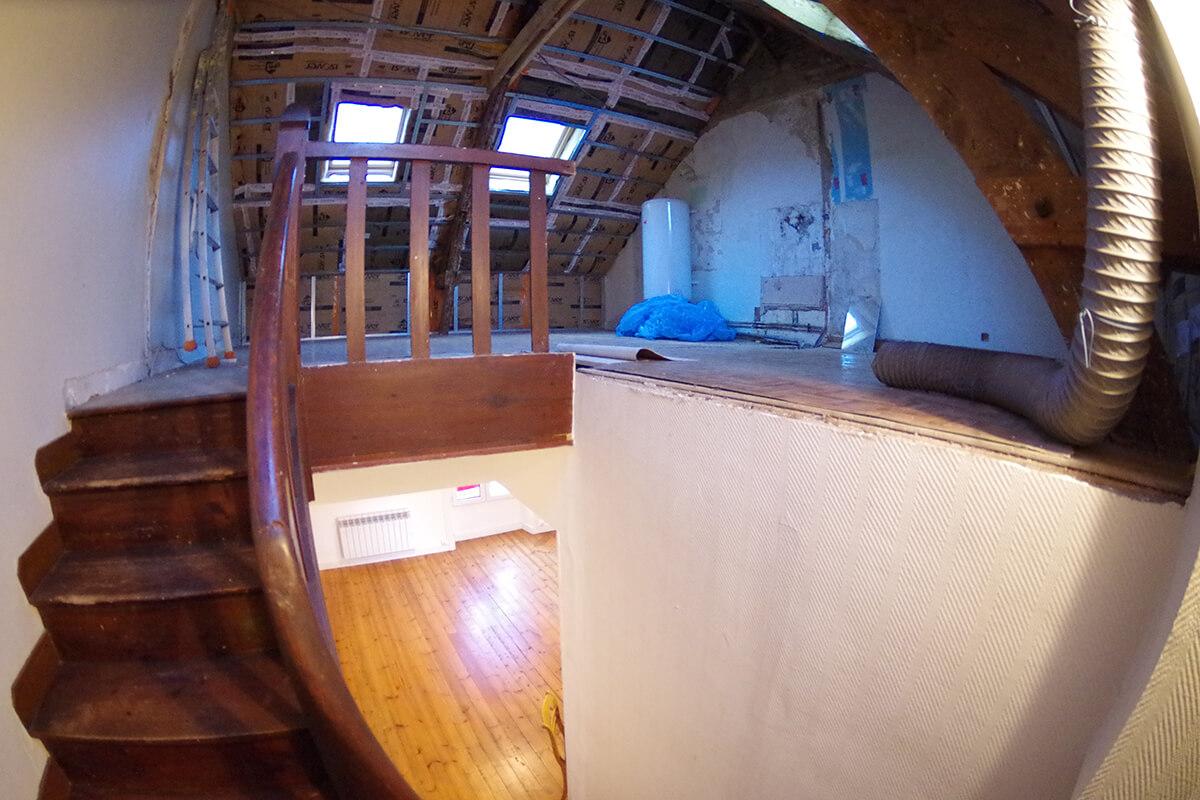 avant travaux architecte combles vannes archibien auray renovation maison neobretonne 1 1 - Visite privée d'une maison patio repensée par Archibien