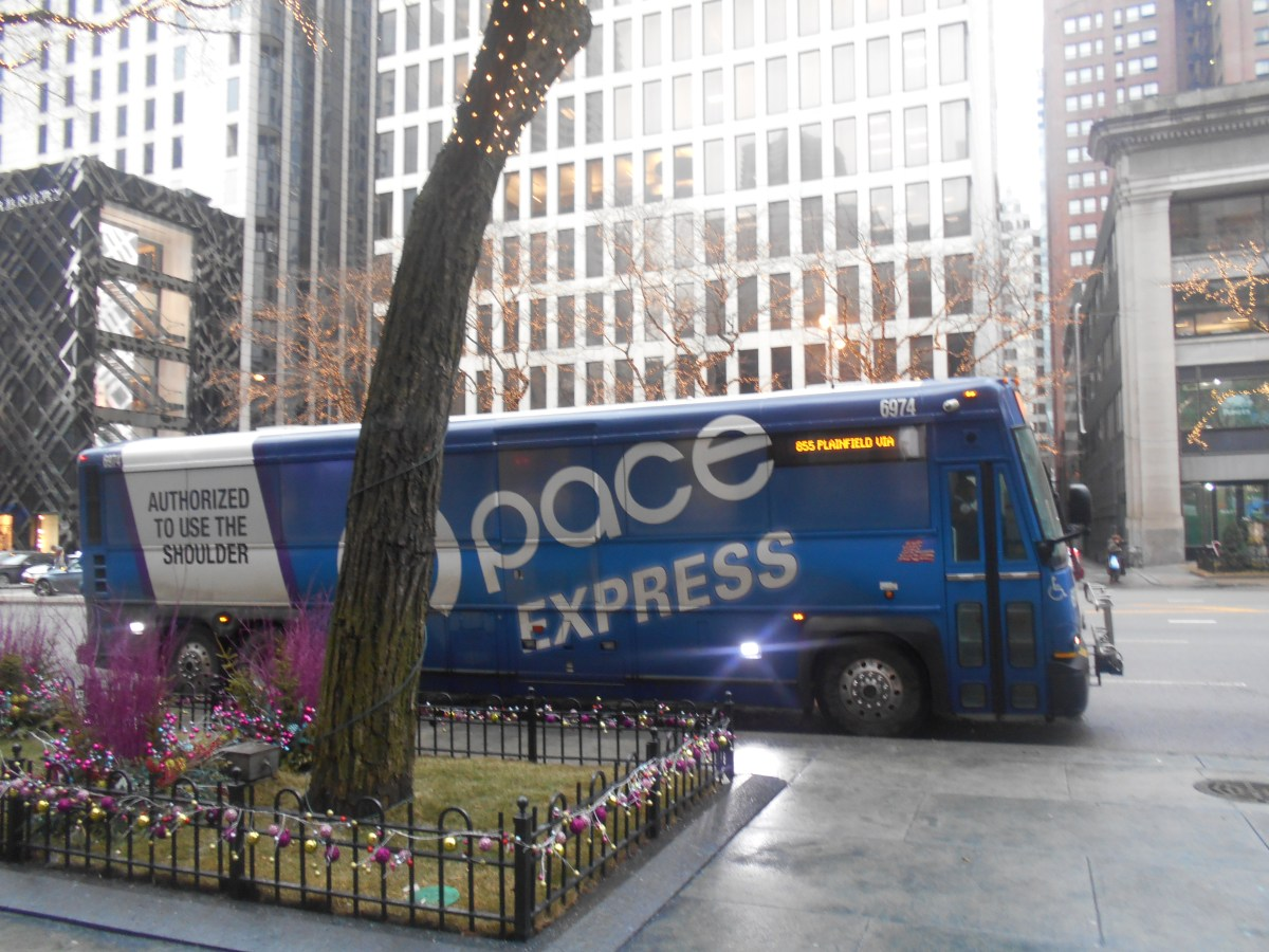 With Limited Resources Pace Considers Reshuffling Express Service Along I 55 Streetsblog Chicago