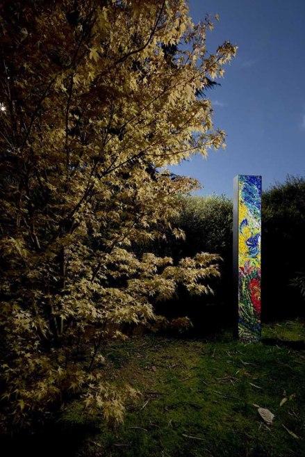 stele con grande albero