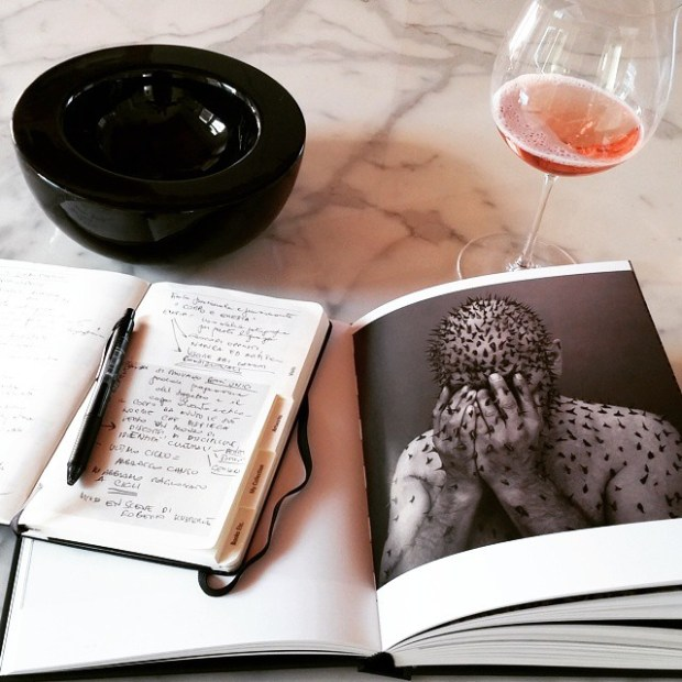 The perfect way to end a perfect day. #sunnydays #kusterle #artistsbooks #exibition #rosewine #moleskine #MoleskineArtJournal #exibitions #feedback #art #instamoment #inspiration #photooftheday #photo_gallery #fotografia #sparklingwine #aperitivo #igersfriuli #igersitalia #ilcorpoeretico #fotografi