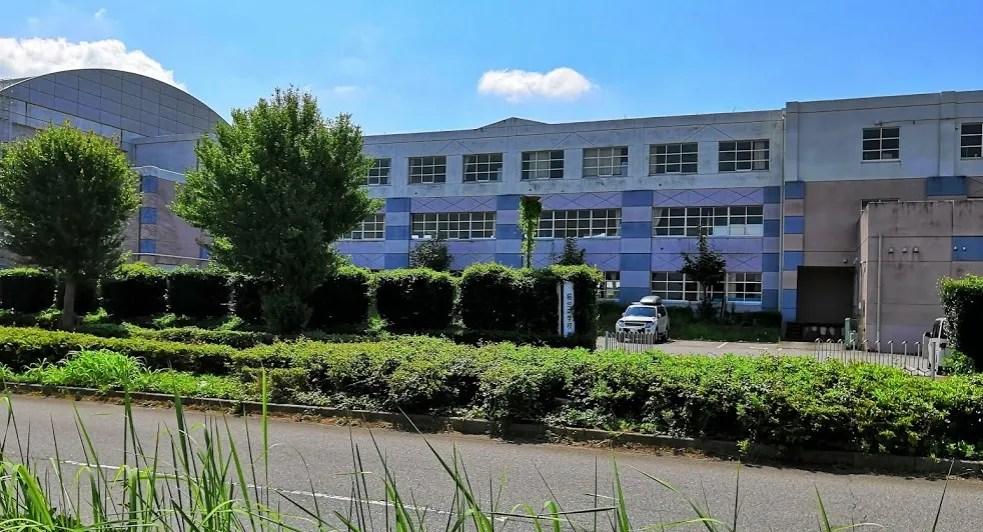 HANAさんの向かい側には桜台中学校。
