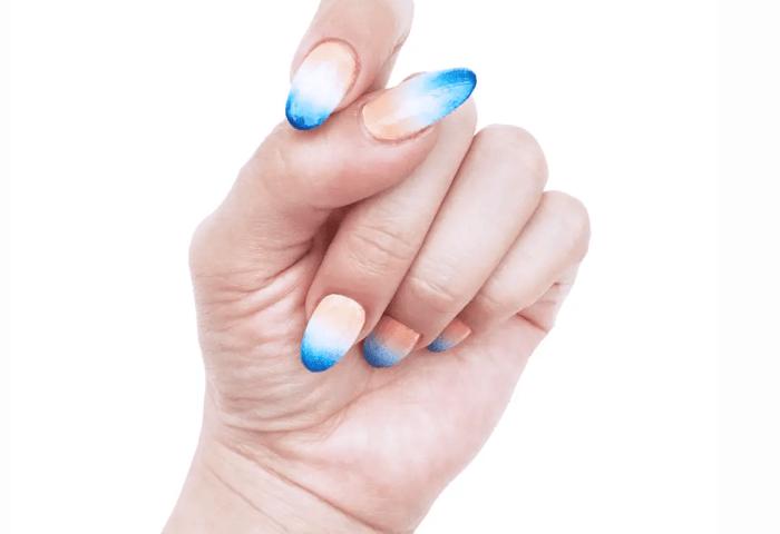 Uñas Decoradas Con Degradado Azul Y Naranja Chibichai