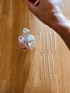 高齢者(在宅介護)レクリエーションで割り箸を使って『3本ペットボトルダーツゲーム』