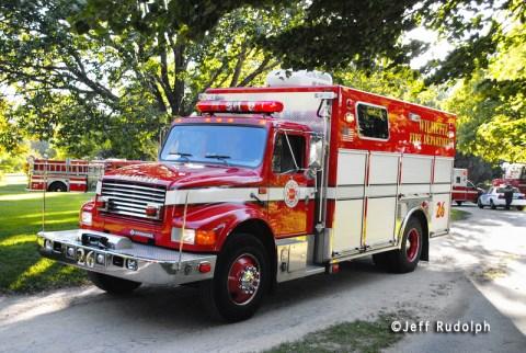 Wilmette Fire Department swimmer drowns in Lake Michigan 8-27-11 Wilmette Fire Department Squad 26