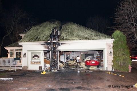 Barrington house fire 11-23-11 Weatherstone Road