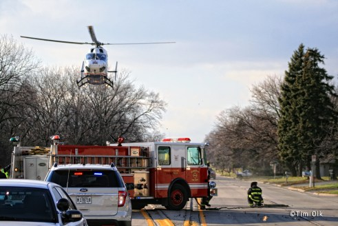 Lifestar Chicago medivac transport from a vehicle accident at 167th and Kedzie in Markham 12-2-11