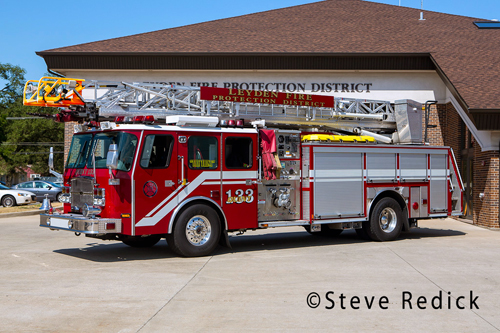 Leyden Fire Protection District Engine 133 E-ONE quint