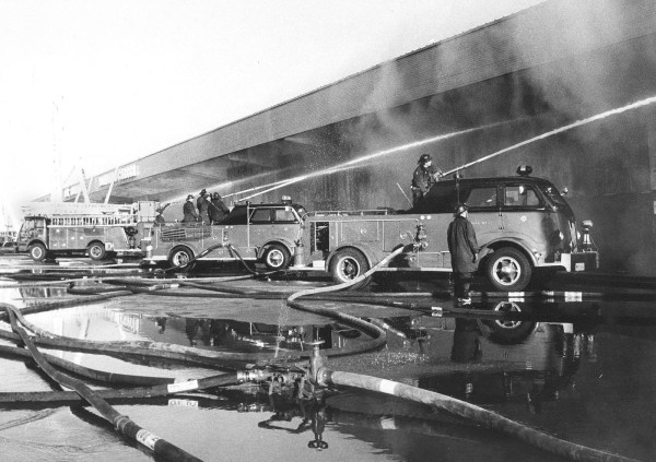 historic Chicago fire apparatus battle huge fire
