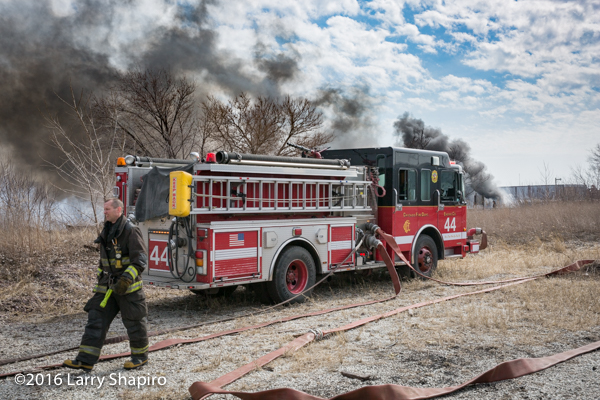 Chicago FD Engine 44 at fire scene