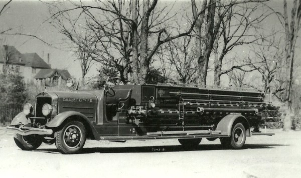 The Calumet City Fire Department operated this 1937 American La France quad from 3/31/1937 until 1972. It was a Type 475 RDB, 750 GPM rotary gear pump with an 88-gallon tank. It carried serial # L-860. From The Collection of Wayne Stuart