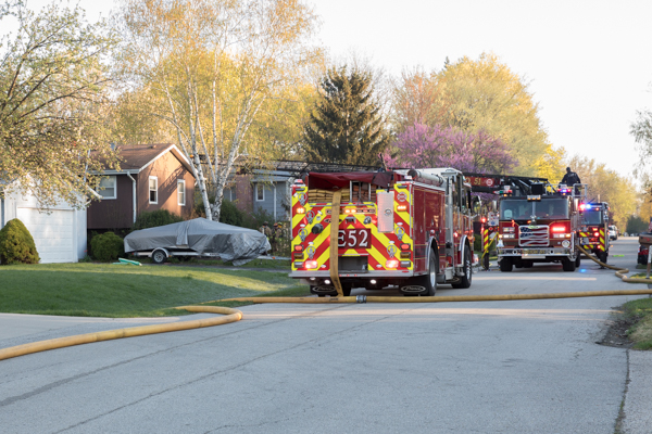 Lincolnshire-Riverwoods FPD fire trucks on scene
