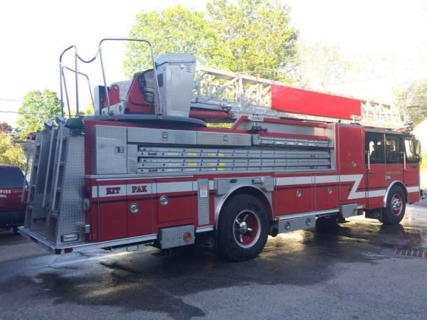 Former Evergreen Park FD ladder truck