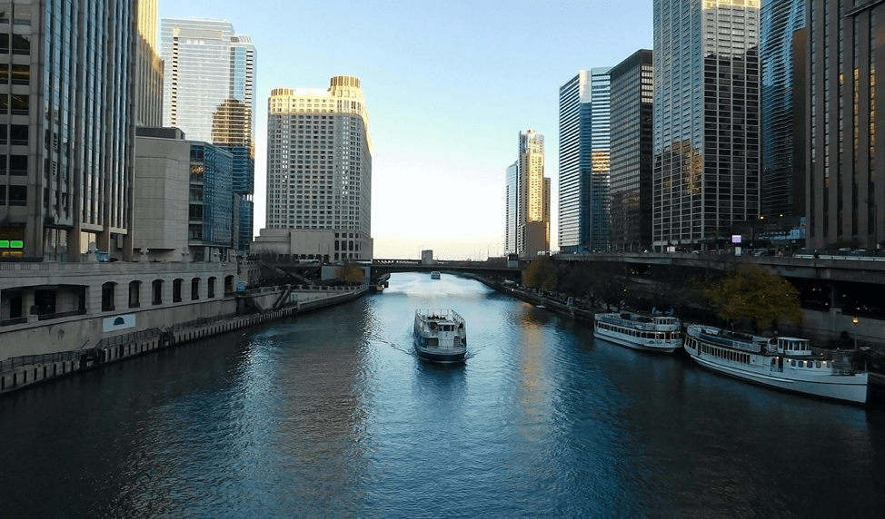 What to Know About Renting a Pontoon Boat in Chicago