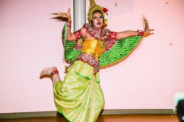 儀態萬千的泰國舞蹈《Nui Thanisorn》
