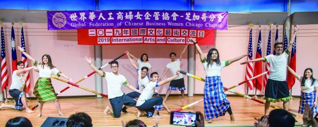 十足展現年輕魅力輕快活潑的菲律賓舞蹈《Gaway Gaway 、Tinikling》