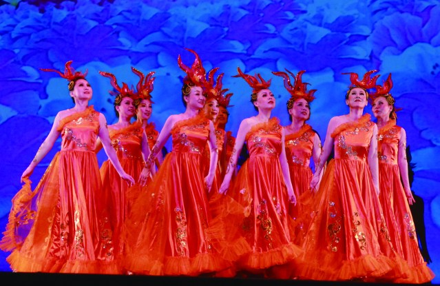 3.舞蹈《盛世歡歌》拉開序幕