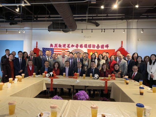2.趙建總領事、邊志春副總領事等一行人拜訪了美國中餐學會
