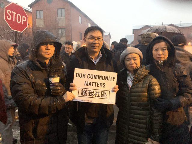 19.福建商會會長鄭時坦(左2)及社區代表參與燭光悼念活動
