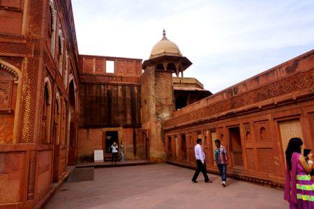 Agra16