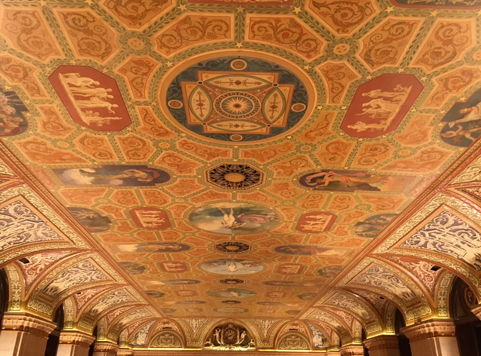 Where To Dine Near The Auditorium Theatre Chicago On The Cheap