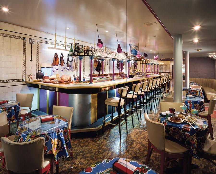 El Internacional was part restaurant, part art installation.
