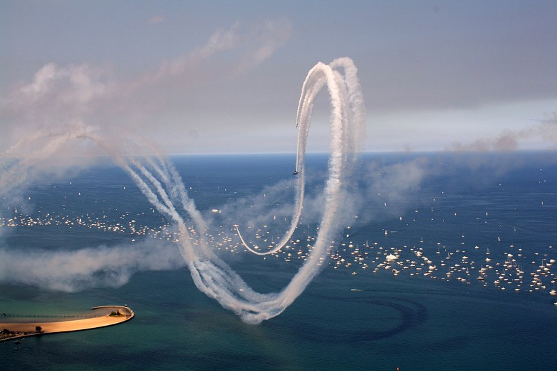 """Chicago Air & Water Show, August 14 / <a href=""""http://www.flickr.com/photos/sledzik/4892499902/in/faves-chicagoreader/"""">Robert Boake</a>"""