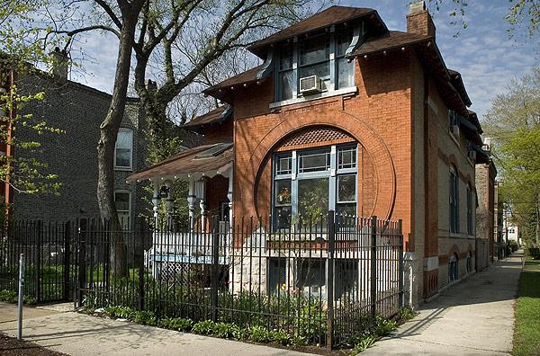 house at Damen and Haddon