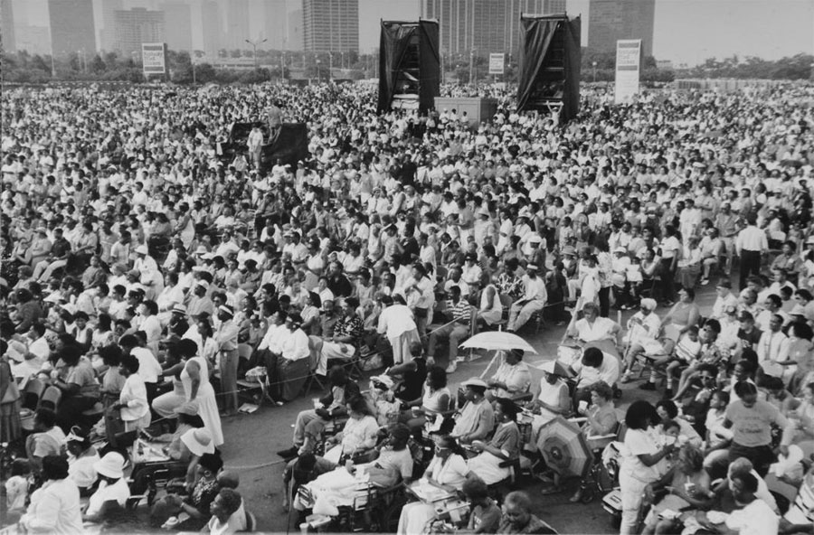 The crowd at the fifth Chicago Gospel Festival, held in Grant Park in 1989