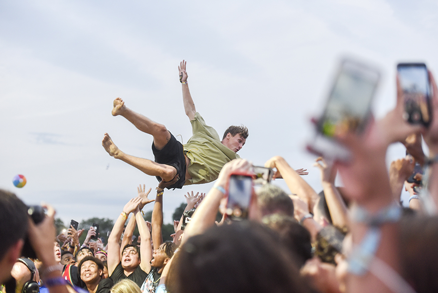 Stage diving during the Carnage set