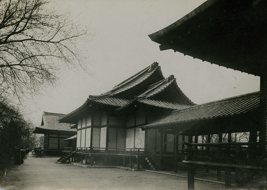 Show photo of Japanese temple on Wooded Island. The Osatos' teahouse and garden included restored buildings from the World's Columbian Exposition.