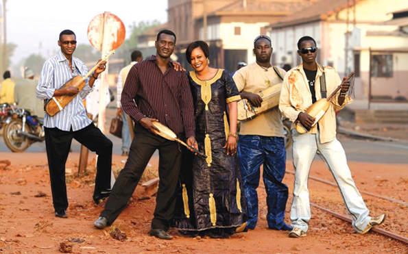 Bassekou Kouyate & Ngoni Ba (see Bela Fleck: The Africa Project)