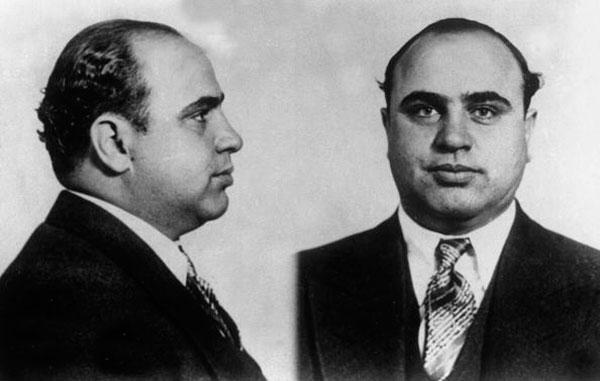 1931, USA, Portrait and profile picture of Chicago gangster Al Capone