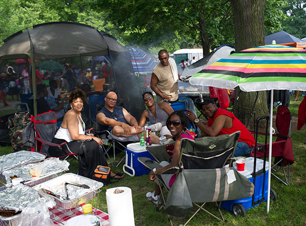 With some restrictions, the Chosen Few Picnic permits tents, coolers, lawn furniture, umbrellas, and outside food and drink, so that fans can party in style.