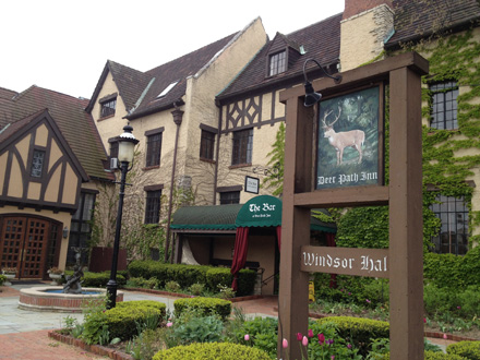 Built in 1929 as a weekend retreat for wealthy Chicagoans, the Deer Path Inn has retained its charms—and can now be enjoyed by the somewhat less privileged.
